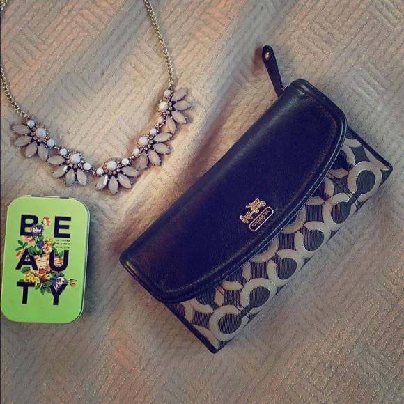 Coach Handbags - 🦋HUGE PRICE DROP!! 🦋Coach wallet